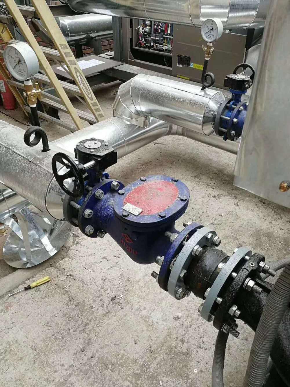 为宁夏学校煤改电项目提供美的低温空气源热泵机组