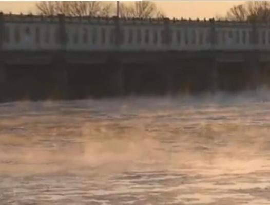 兰州思泊湖牛肉面为您揭晓内蒙古水煮黄河仙气缭绕现象是再怎么形成的。