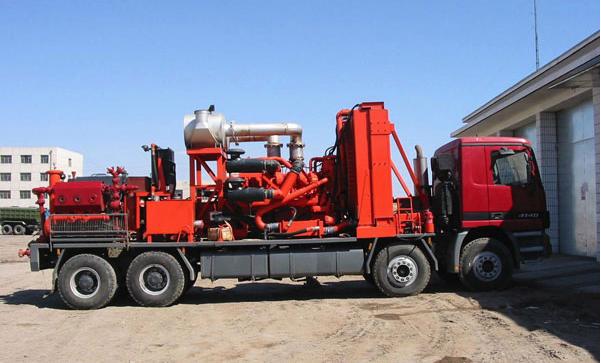 兰州通用生产的压裂车是由哪些设备组成