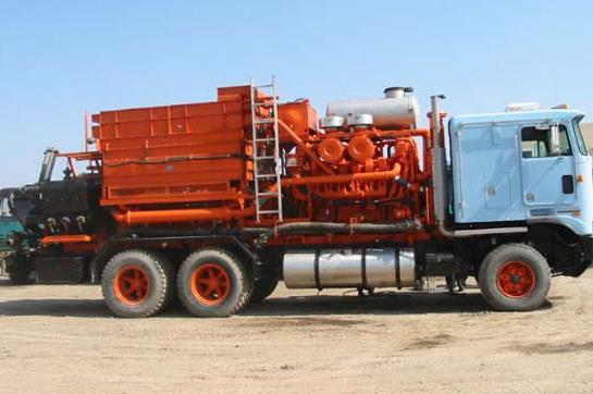 壓裂車廠家帶您了解壓裂車組的主要設備有哪些?