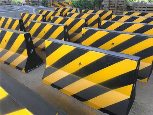 道路交通设施都有什么?其设计标准是什么?
