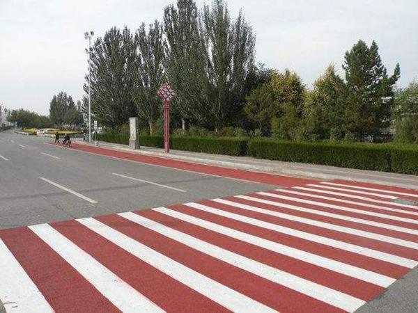 市政道路陶瓷颗粒彩色防滑标线