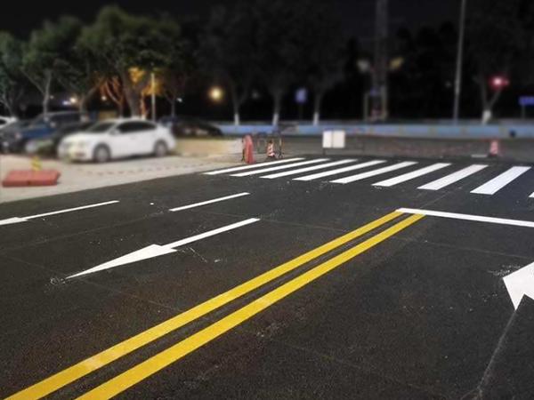 道路交通标线中热溶划线的优点是什么?