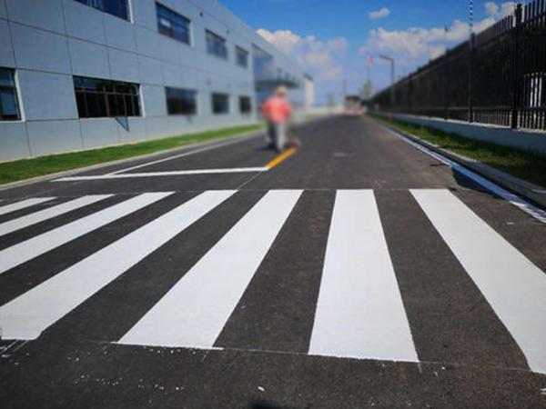 影响工厂道路标线涂料附着力的因素有哪些?