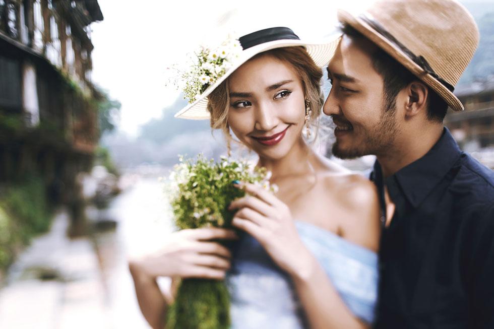 兰州曦光映摄影是兰州婚纱旅拍品牌,在兰州婚纱旅拍,就找我们,为您提供优质的摄影服务。