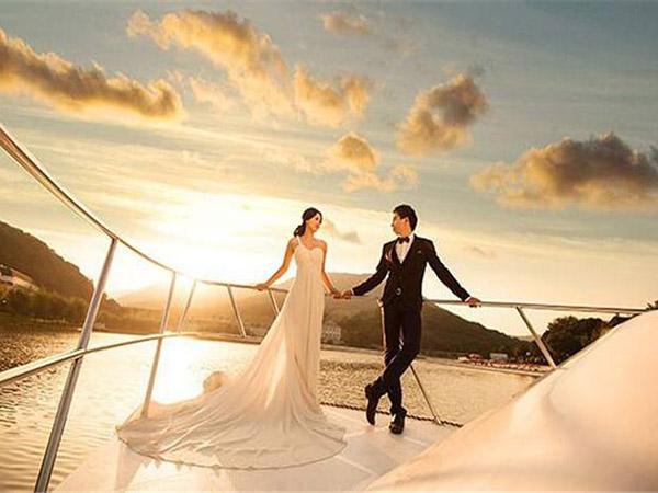 去旅拍婚纱照要怎样挑选一个好的婚纱摄影公司