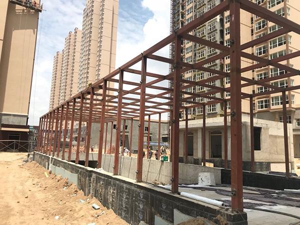 新区小区车库出口钢结构工程