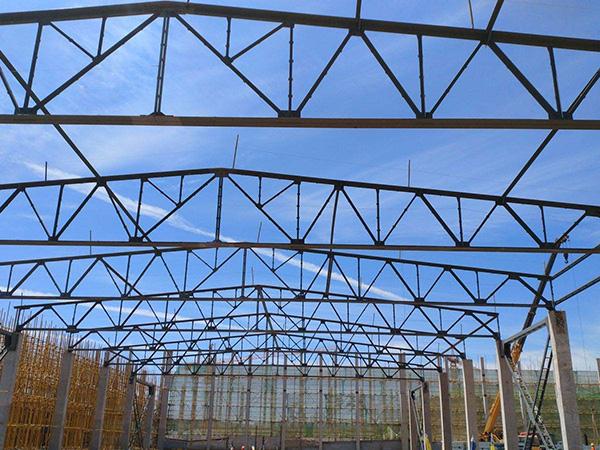 钢结构吊装施工