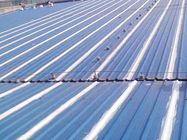 钢结构屋顶用什么材料