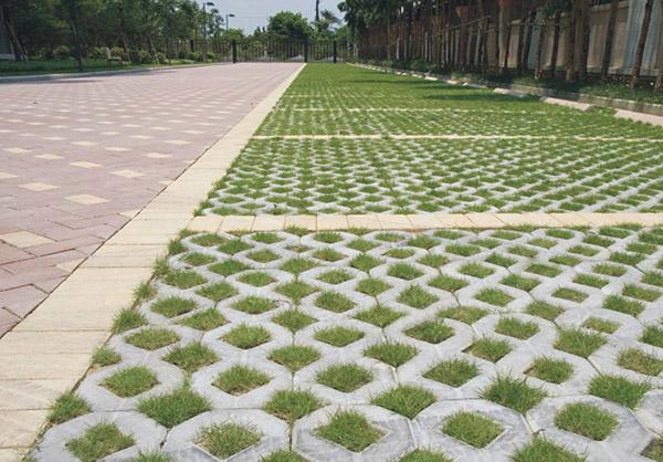削减地上辐射的反射的草坪砖