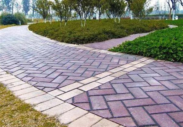 兰州水泥制品厂家分享常见的透水砖种类有哪些?