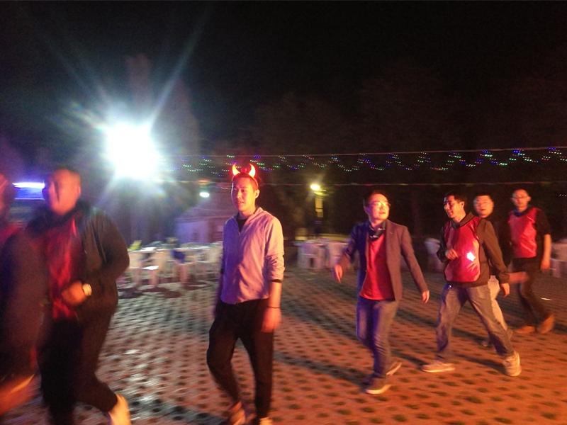 户外团队篝火晚会拓展训练项目