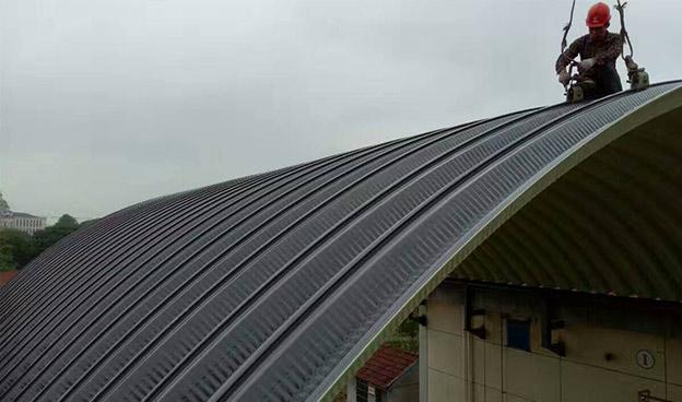 彩钢拱形钢屋盖