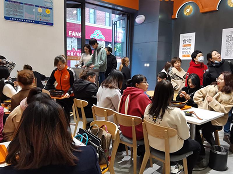 大学生创业分析-干餐饮行业找项目