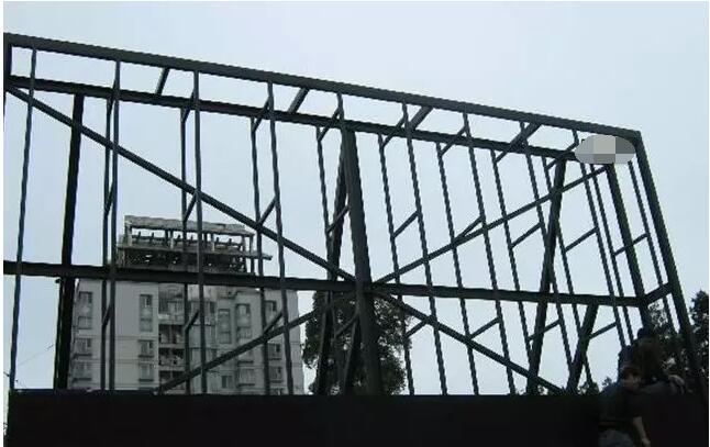 户外显示屏屏体背面钢结构