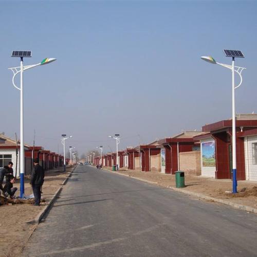 新型农村太阳能路灯