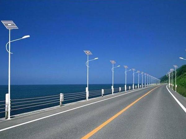 天水太阳能路灯批发公司分享太阳能路灯和普通路灯的区别