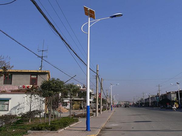 兰州太阳能路灯厂家分享太阳能路灯价格波动的原因