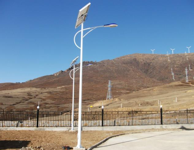 太陽能路燈的組成