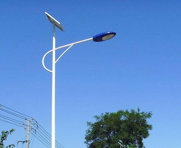 嘉峪关led太阳能路灯厂家与普通路灯对比