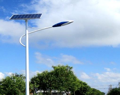 农村太阳能路灯的使用寿命是多久?