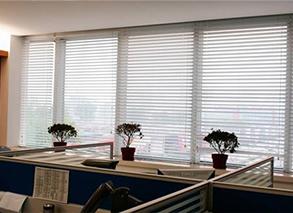 办公室窗帘风格介绍