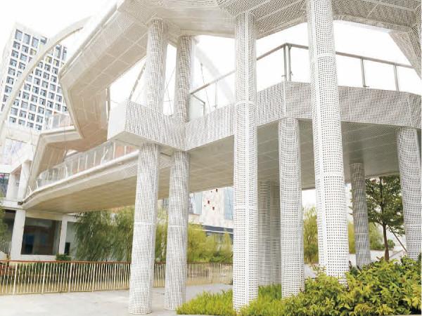 福州冲孔铝单板工程应用