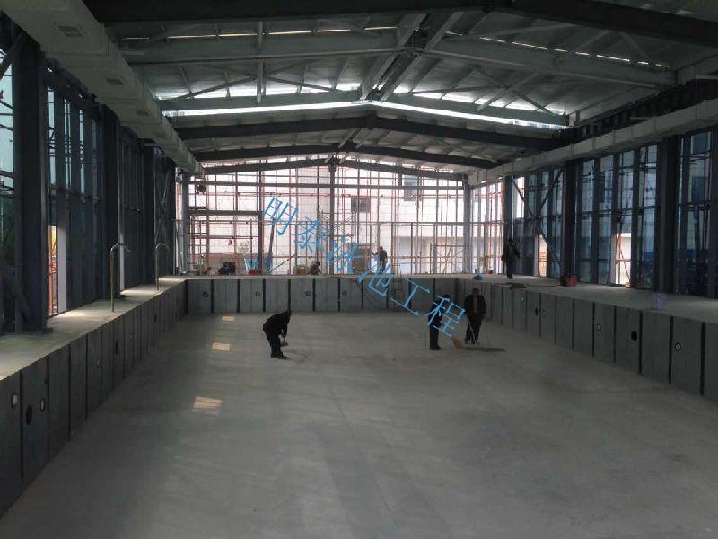 西安泳池设备厂家为湖北客户进行游泳馆设备安装