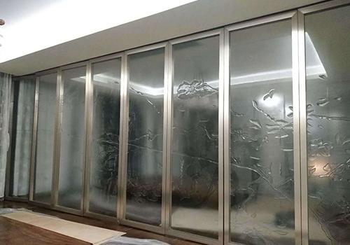 玄關玻璃隔斷