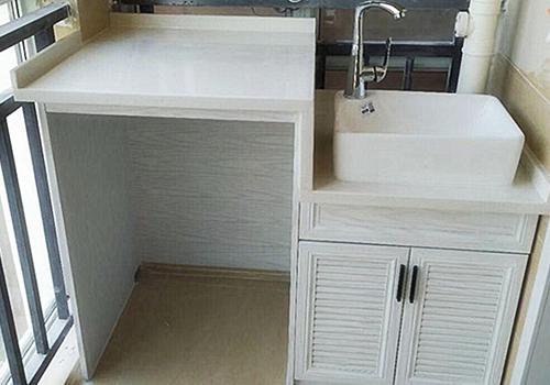 了解一下为什么铝合金浴室柜要比PVC浴室柜贵?