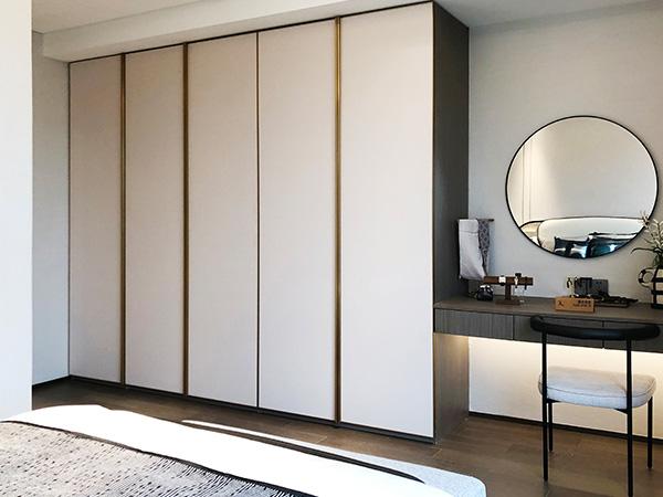 铝合金定制衣柜