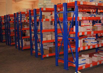 中型仓储货架运用实例