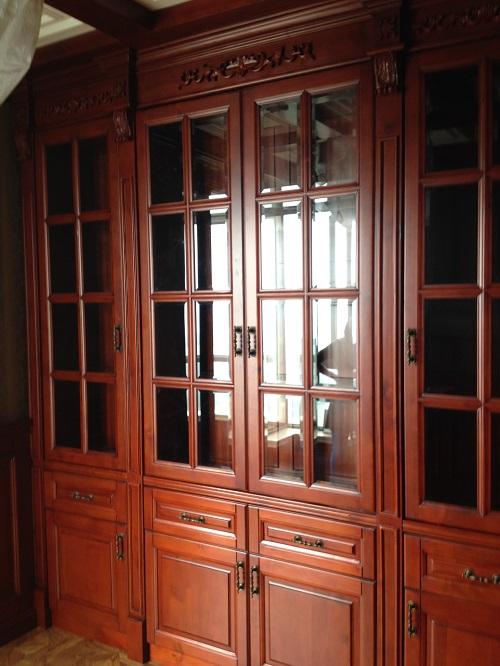 欧式客厅储物柜
