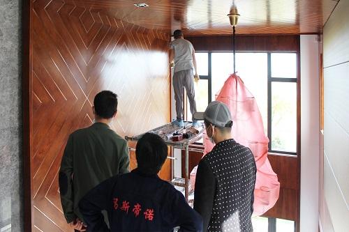 整体原木护墙板