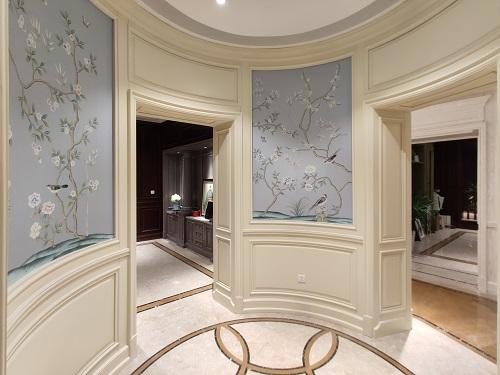 轻奢白色原木护墙板