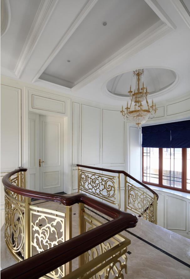 欧式原木定制楼梯