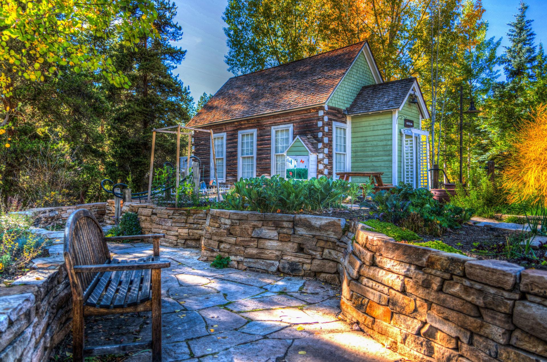 别墅庭院设计中如何设计出想要的效果呢?