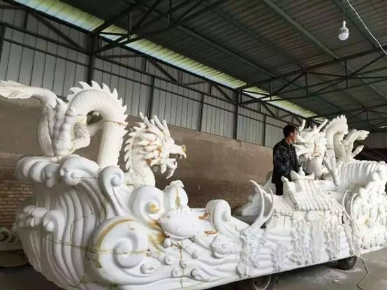 甘肃陇西宝莱坞影视基地泡沫雕塑花车制作