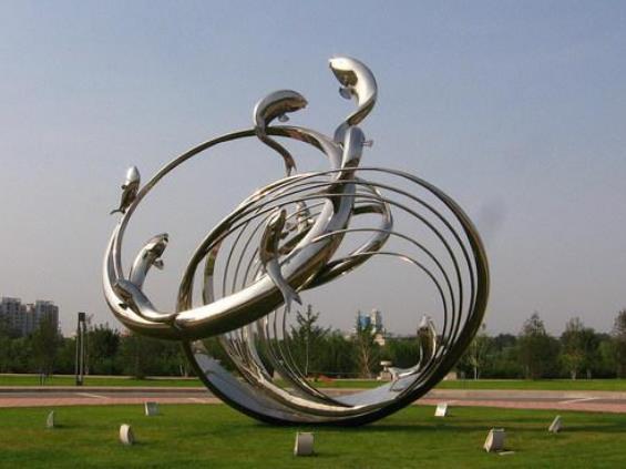 慶陽不銹鋼雕塑廠家闡述不銹鋼雕塑為什么受歡迎?