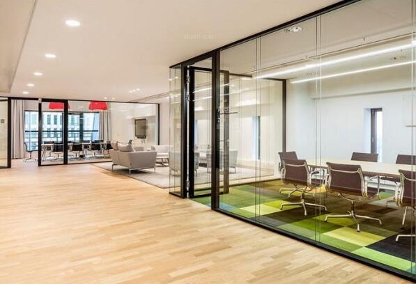開放式的辦公室裝修風格有哪些好處?
