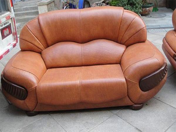 綿陽三臺客廳沙發如何正確清潔和保養?