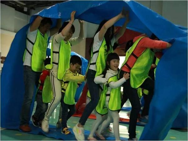 儿童军事拓展项目之【风火轮】