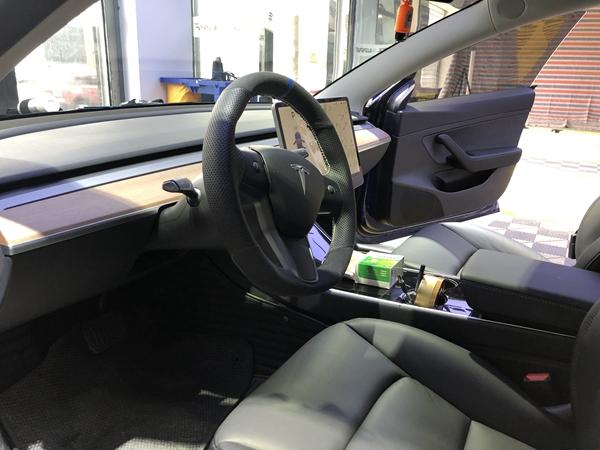 特斯拉汽车贴膜