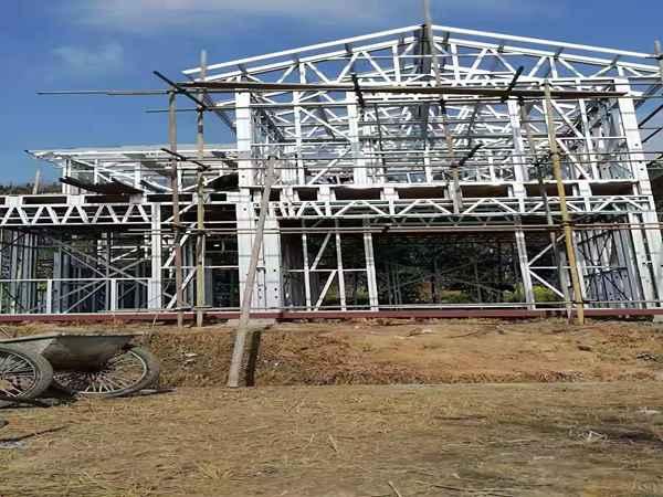 江油修建轻钢别墅的成本是多少?