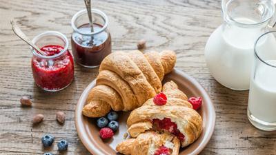 青海糖尿病足�t院�<�槟�iT介�B:糖尿病患者到底能吃蛋糕�幔�