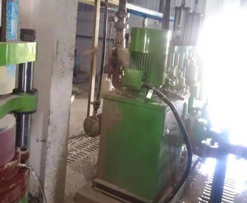 为杭州客户柱塞泵调试中