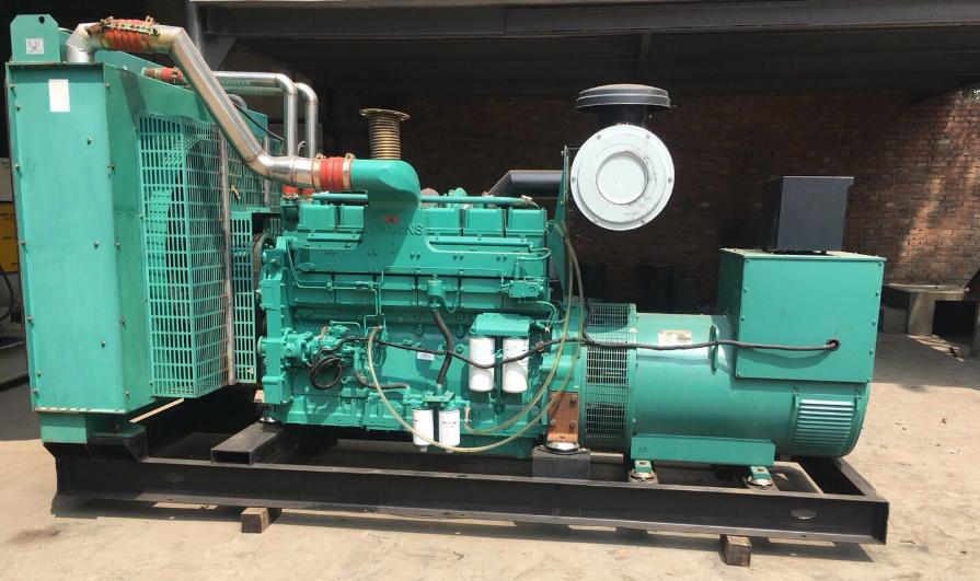 怎样排除柴油发电机组的喷机油的状况?