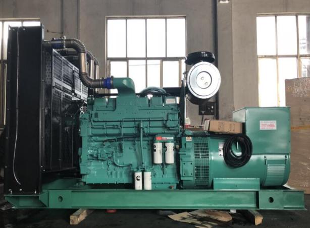 内蒙300kw柴油发电机组一小时耗油多少