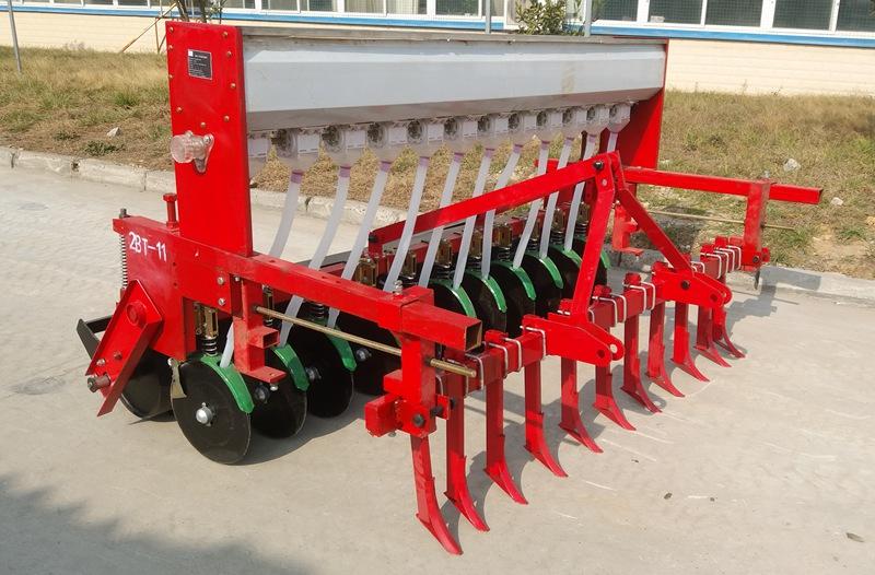 襄阳旋耕机厂家告诉你旋耕机在水田作业时的注意事项