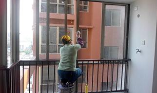 办公楼工程保洁玻璃的标准